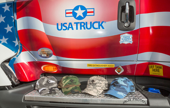 USA TRUCK-Salute to veterans-1